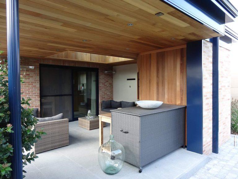 Pergola terrasoverkapping met lounge zetels